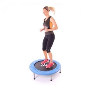 Un bon maintien postural avec le mini trampoline